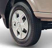 Tata Intra v10 tyre Truck